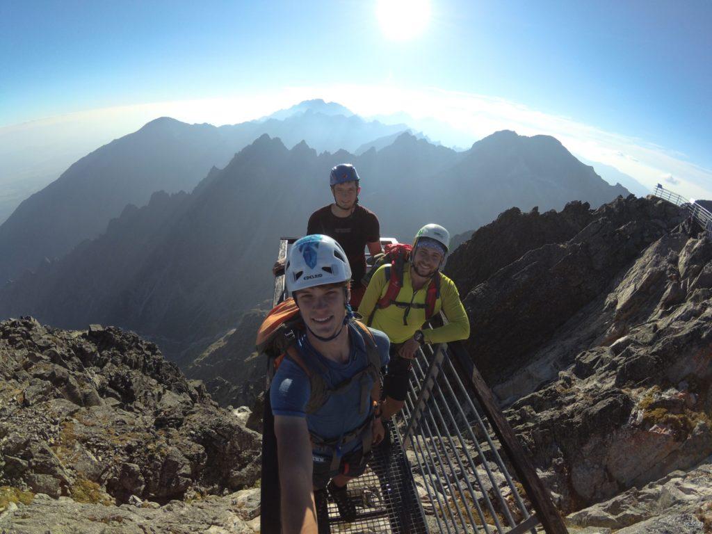 Rozlúčka so slovenskými horami pred prvým odchodom do Kazachstanu na Lomnickom štíte. Foto: Patrik Bendík